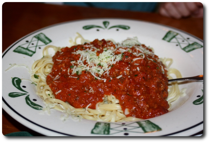The Gallery For Olive Garden Spaghetti With Meat Sauce