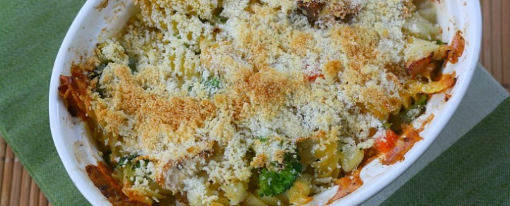 Easy Mac & Cheese Veggie Chicken Casserole & a Giveaway #CountryCrockCasserole