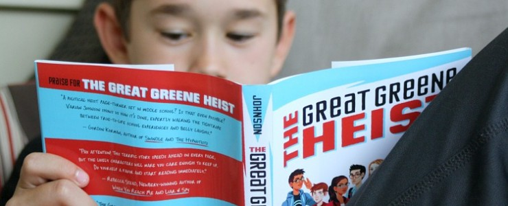 Tips to Keep Your Kids Reading During the Summer Months with Scholastic