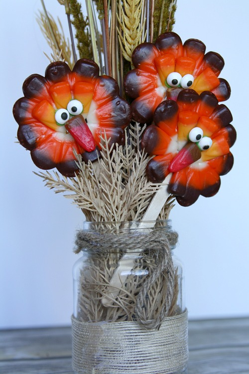turkey-candy-corn-lollipops