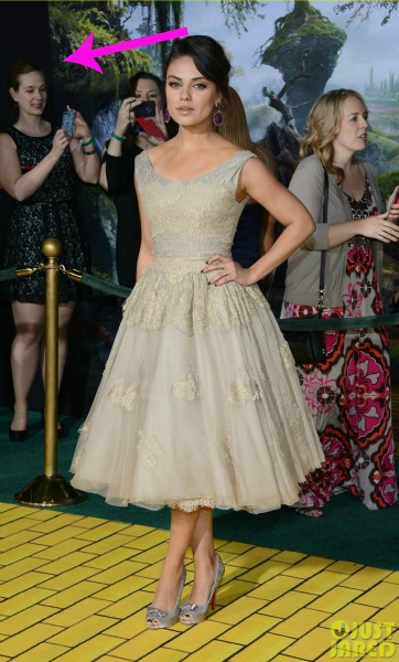 mila-kunis-james-franco-oz-the-great-and-powerful-premiere-19