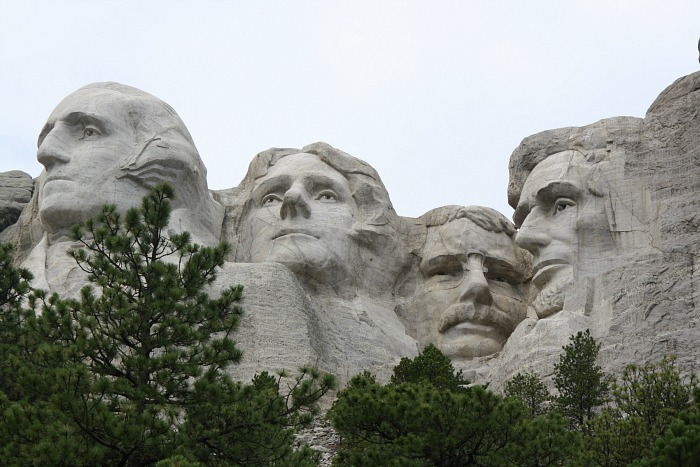 mt rushmore four heads
